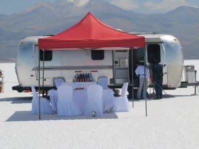 Testez le camping de luxe au Salar d'Uyuni.