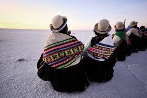 Cholitas au Salar d'Uyuni.